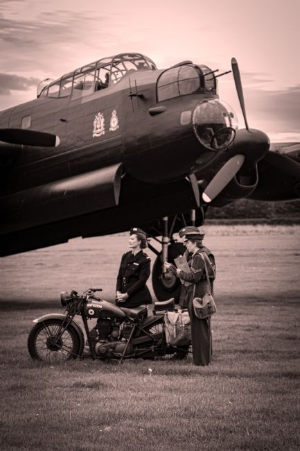 Airpower Art | Lancaster Bomber - Ground Crew