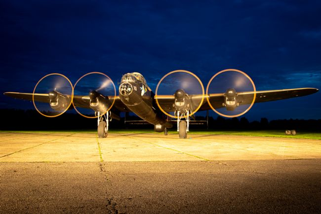 Airpower Art | Lancaster Bomner - Night Shoot