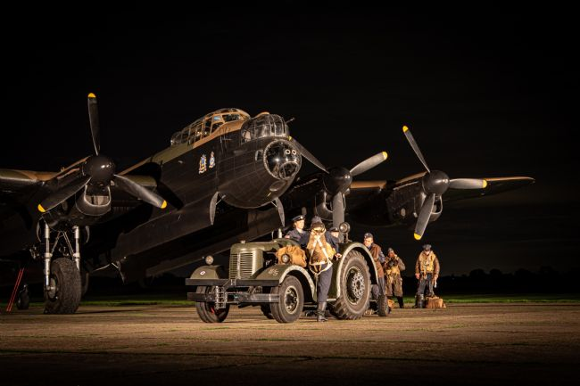 Airpower Art | Lancaster Bomber - Bombing Up
