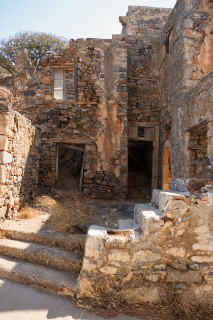 Lynn Bolt | Ruins on Spinalonga