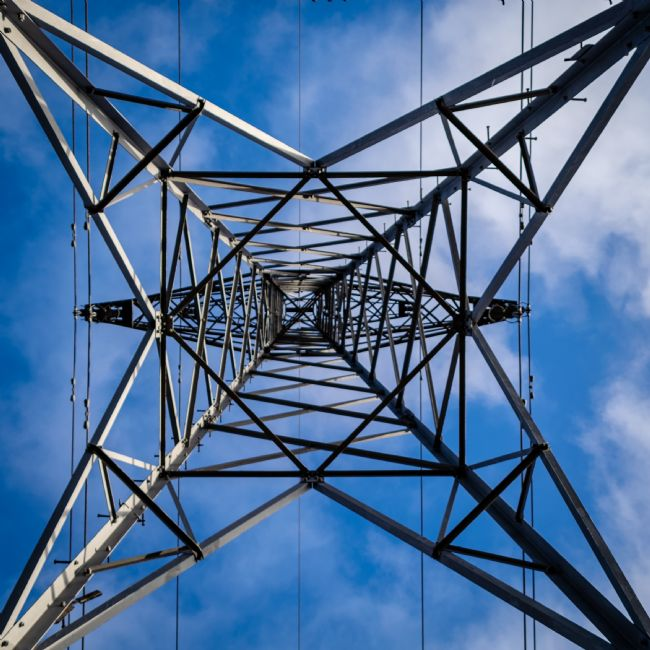Warren Byrne | Electricity Pylon from the Bottom Up